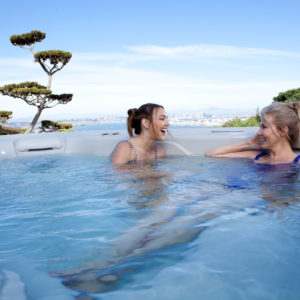 Hot Spring-Highlife-2014-Grandee-NXT-Ice Gray-Monteray Gray-Lifestyle-Mom-Daughter-01
