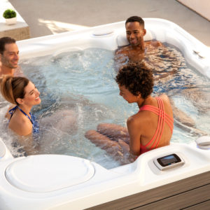 HotSpring-Highlife-2017-AriaNXT-AlpineWhite-MontereyGray-Lifestyle-Group-01
